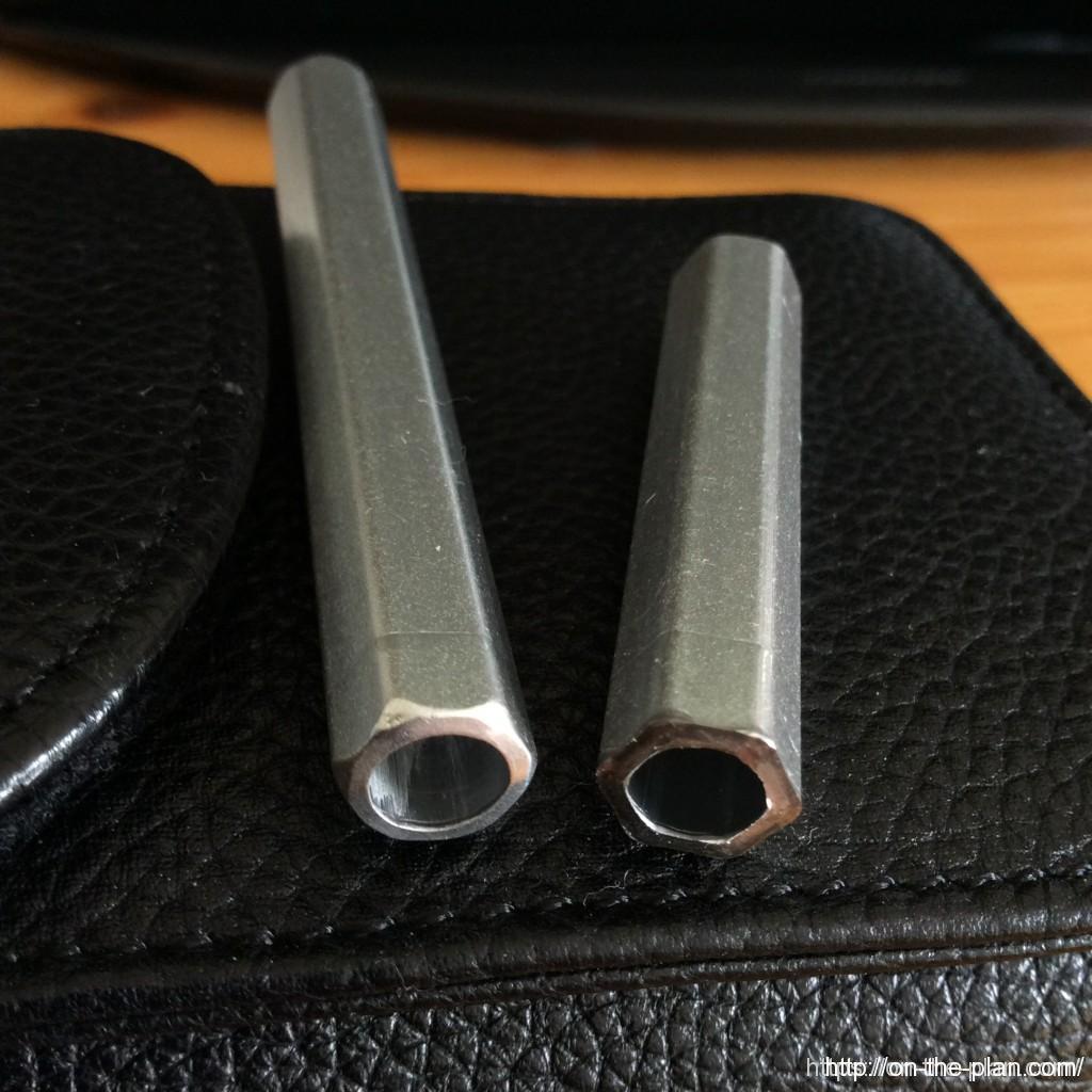 アルミのペン軸を直角に切断する。糸鋸では熟練していないと斜めに切れてしまう。
