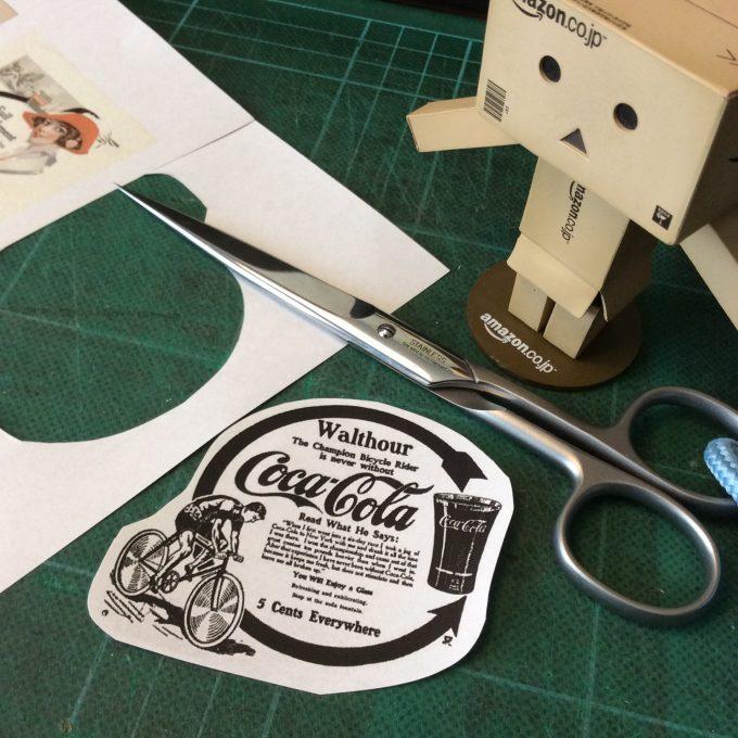 愛用のハサミ、ドボDOVOを使うのが楽しみ(^^)、かんたんにさくさく切り抜いてカスタマイズ用のコラージュ素材、紙シールの出来上がり。